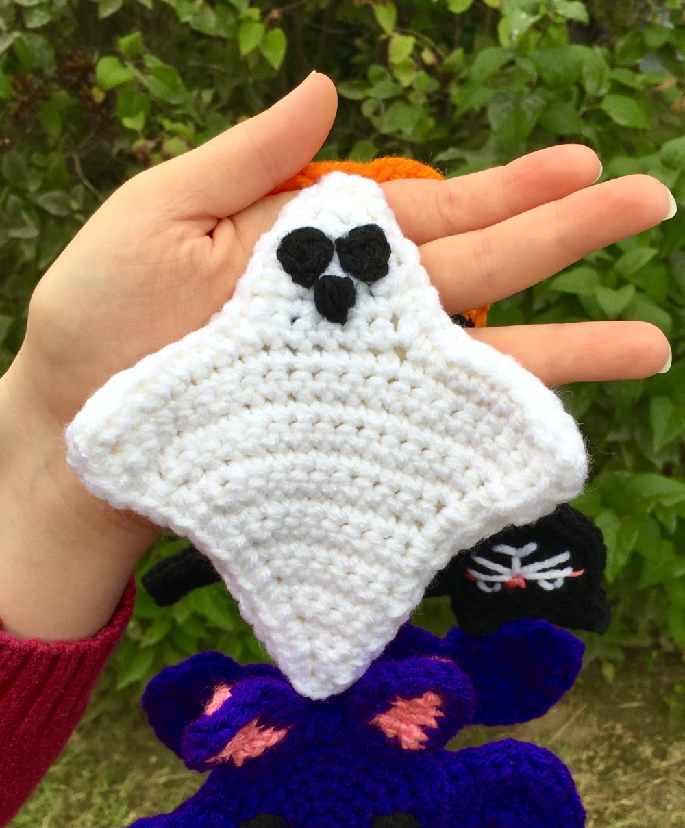 Halloween Scarf CAL (Crochet-Along) Part 2 – Ghost! - Crafty Kitty ...