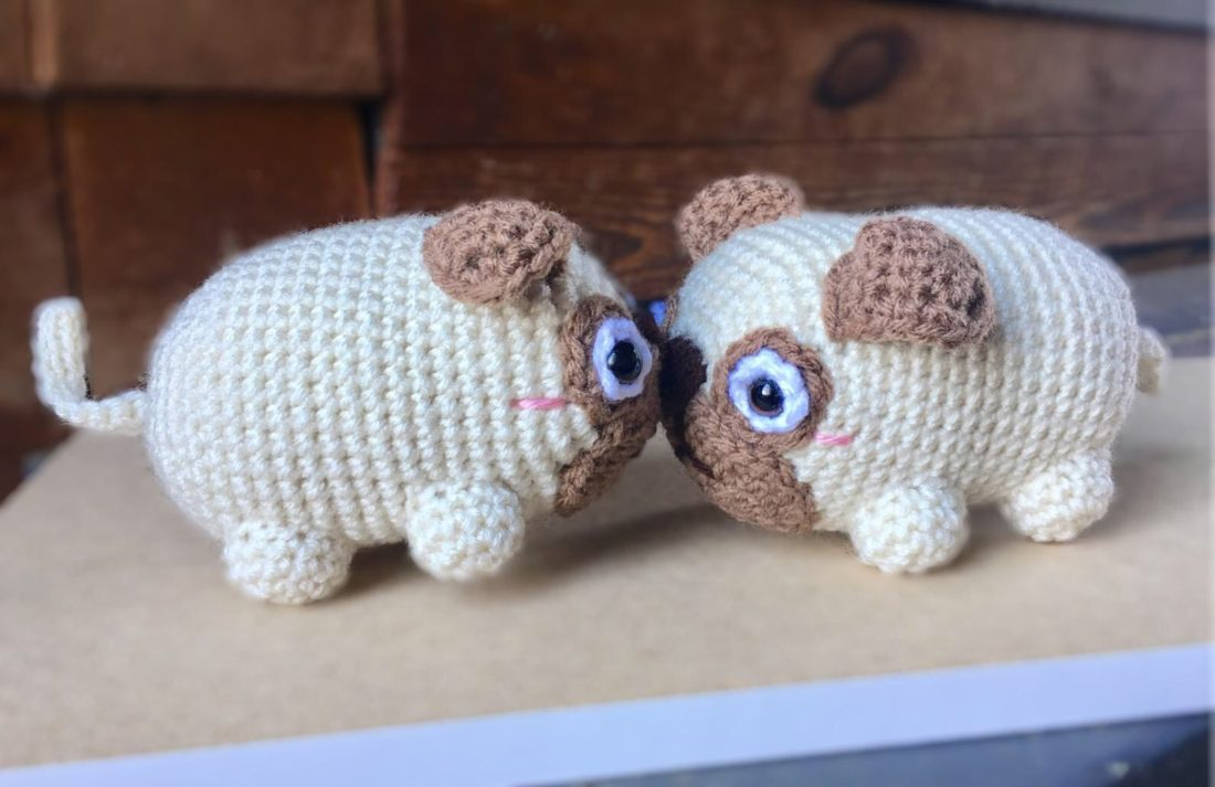 Pug Dog Amigurumi - Free Crochet Pattern - StringyDingDing | 713x1100