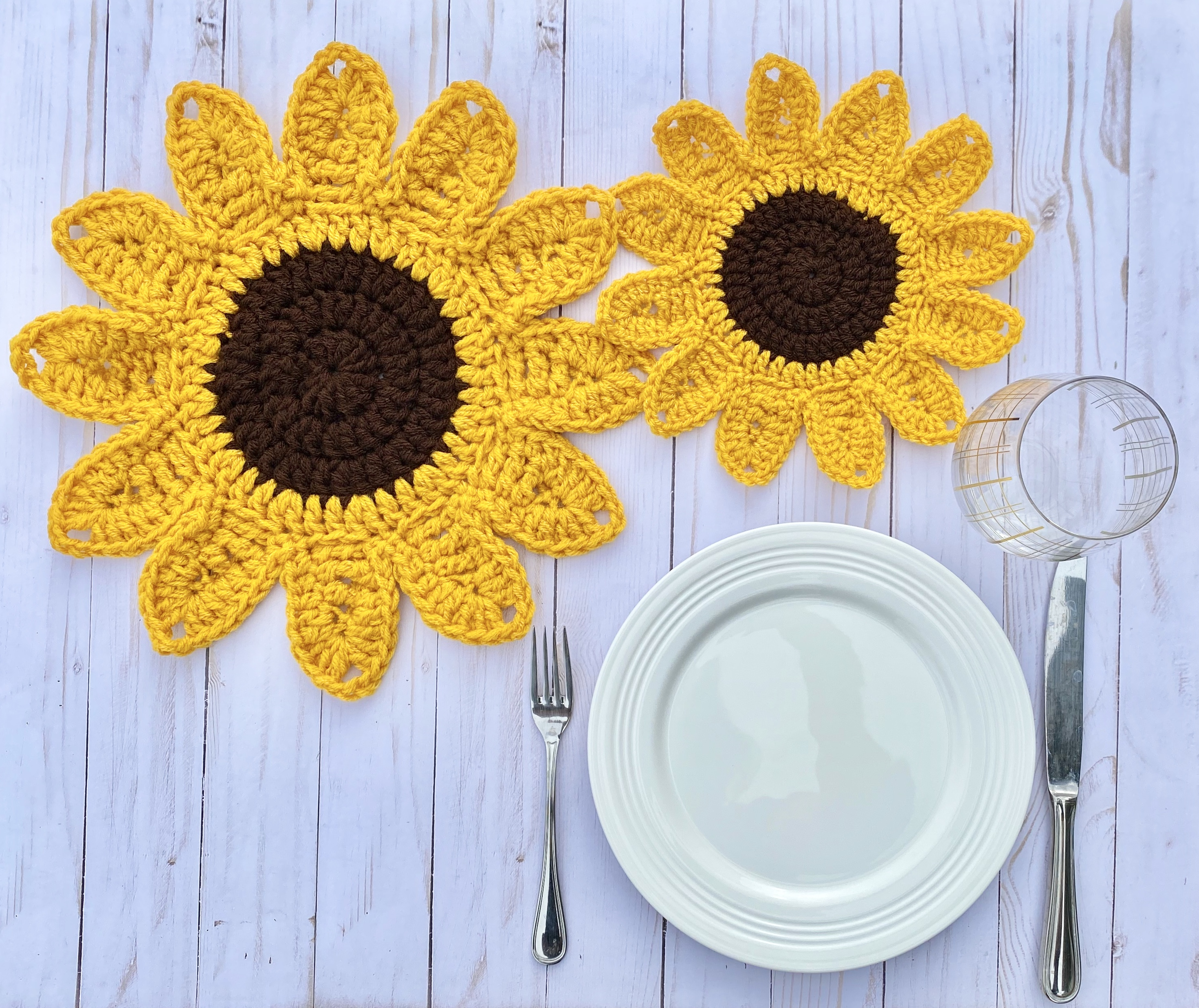 Amigurumi Sunflower Crochet Free Patterns • DIY How To | 2475x2943
